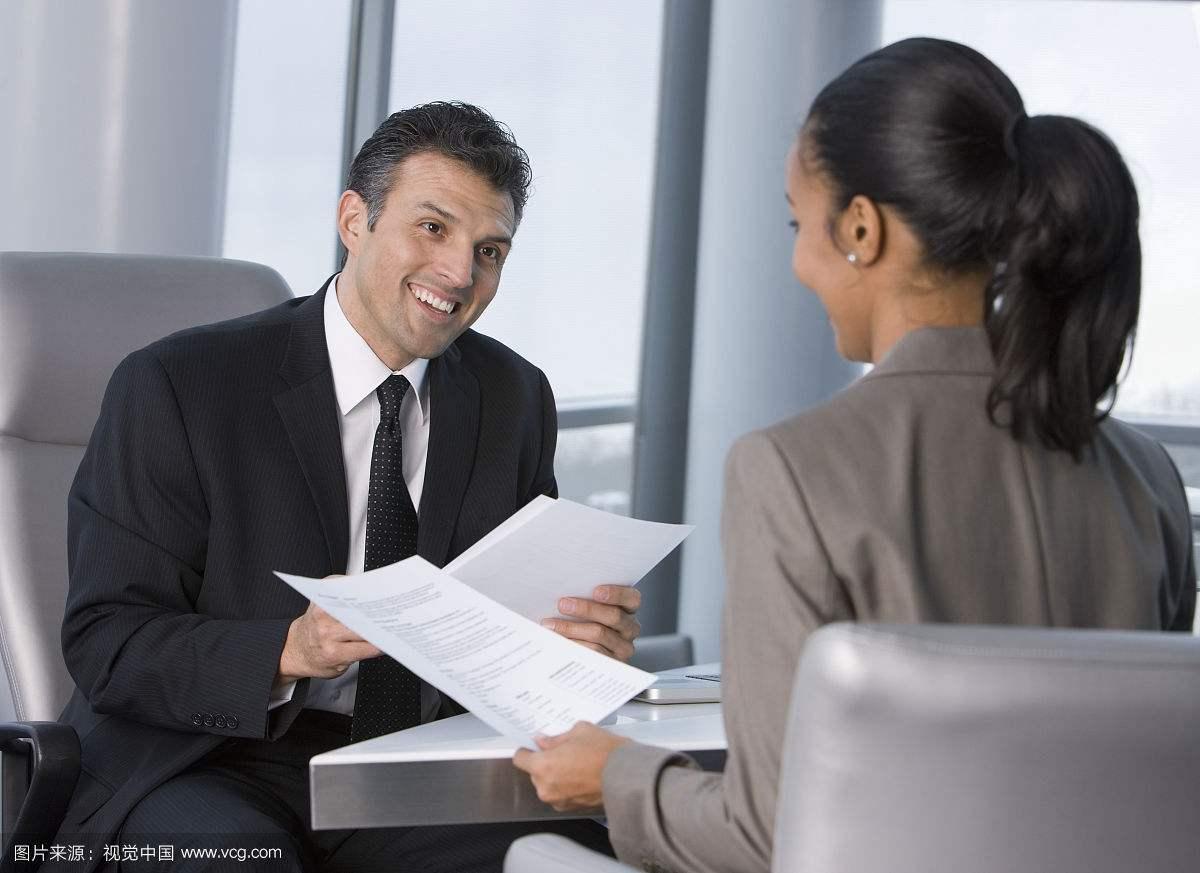 职场套路深,做事需谨慎。要避开五大陷阱,才能打造职场通途